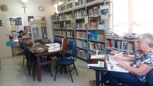 Biblioteca 13.jpg